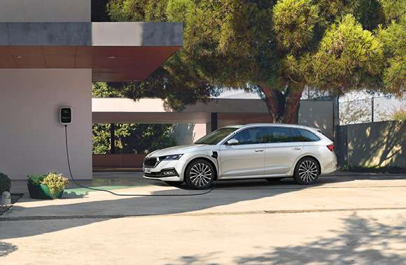 ŠKODA OCTAVIA COMBI CLEVER iV (Plug-in-Hybrid) 1,4 TSI 110 kW (150 PS); Elektromotor 150 kW (204) - Geschäftsleasing